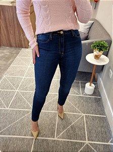 Calça cigarrete jeans cintura alta