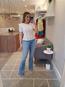Calça flare jeans clara
