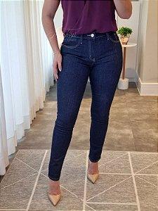Calça cigarrete jeans básica