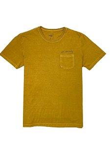 Camiseta Estonada com Bolsinho