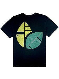 Camiseta Estanpa Folhas