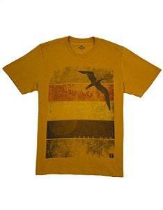 Camiseta Estampa Pássaro