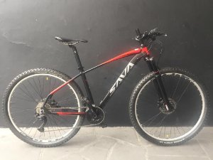 Bicicleta SAVA CAPTAIN 29Er 27V SHIMANO ALIVIO SUSP A AR TAM 17
