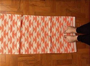 Passadeira em algodão triângulos laranja