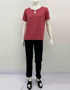 Blusa P.V. reta decote com fenda e botões