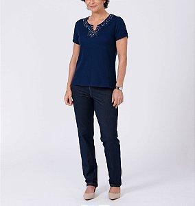 Blusa canelada reta com aplicação manga curta