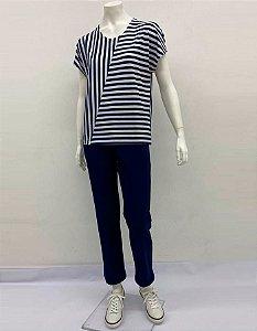 Blusa fit Polielastano listrado com recorte diagonal