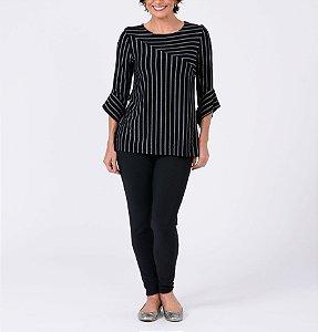Blusa listrada longa com recortes manga ¾ com punho quadrado
