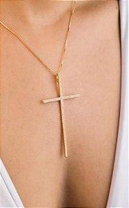 Colar cruz cravejado de zircônia
