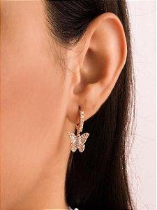 Argola mini argola cravejada com borboleta cravejada de zircônias
