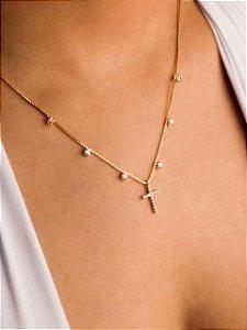 Colar veneziana com seis zircônias e cruz cravejada de zircônias