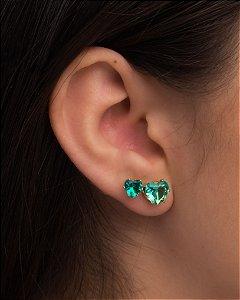 Brinco de zircônia em formato de coração na cor verde esmeralda
