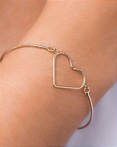 Pulseira bracelete e coração vazado