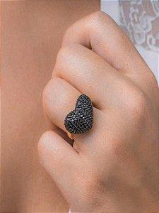 Anel de coração cravejado de zircônias negras