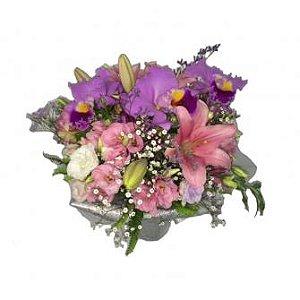 Jarra Angelical Com Três Orquídeas