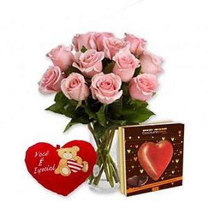 Jarra De Rosas Com Coração E Pelúcia