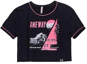 T-Shirt Preta com detalhes  Rosa Neon -  AUHTORIA