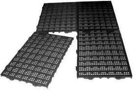 200 Estrados Plásticos para lavanderia 50x25x2,5 cm Preto