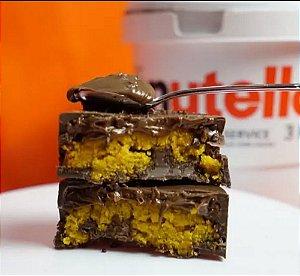 Bombom de bolo de cenoura com nutella