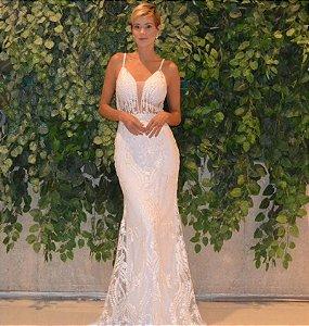 Vestido longo branco com aplicações e bordados
