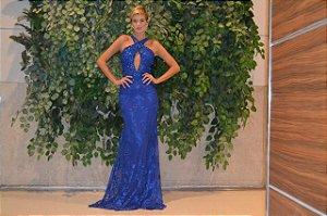 Vestido longo azul com aplicações e bordados