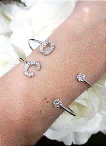 Bracelete Letra e Ponto de Luz