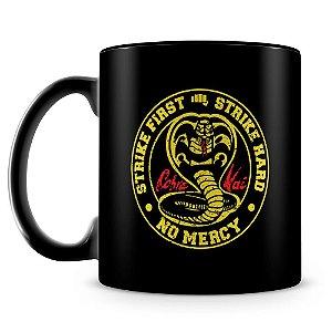Caneca Personalizada Cobra Kai (100% Preta)