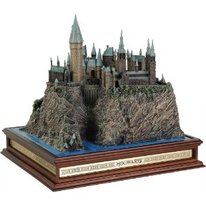 Castelo de Hogwarts réplica original e oficial importada por Noble Collection