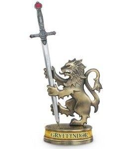 Réplica Oficial e Original em miniatura da Espada de Gryffindor para cortar papéis por Noble Collection