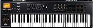 Teclado Controlador Behringer MIDI/USB MOTOR 61