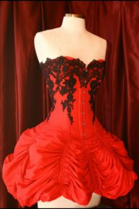 Corset-Dress in pure silk shantung re-embroidered with lace