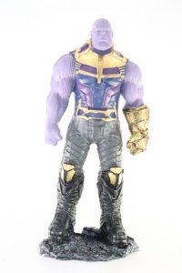 Thanos Grande Action Figure em Resina