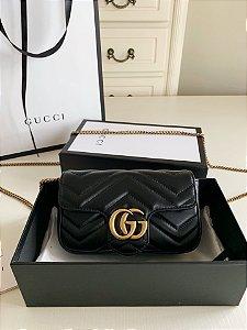 """Bolsa Gucci GG Marmont Matelassé Mini """"Black"""" (PRONTA ENTREGA)"""
