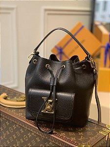 """Bolsa Louis Vuitton Bucket Lockme """"Black"""""""