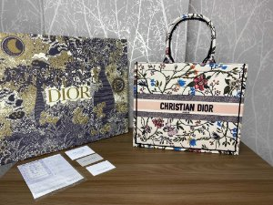 "Bolsa Tote Dior Book  ""Flowers"" (PRONTA ENTREGA)"