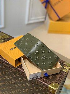 """Carteira Louis Vuitton Slender """"Moss"""""""