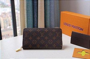 """Carteira Louis Vuitton Zippy Canvas Monogram """"Coquelicot"""""""