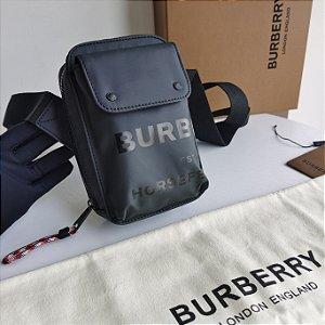 """Bolsa Burberry Transversal Com Estampa Horseferry """"Black"""""""