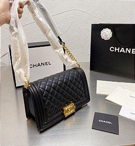 "Bolsa Chanel Boy Caviar Leather ""Black&Gold"""