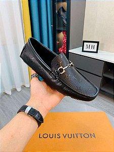 "Mocassim Louis Vuitton em Couro Monogram ""Black"""