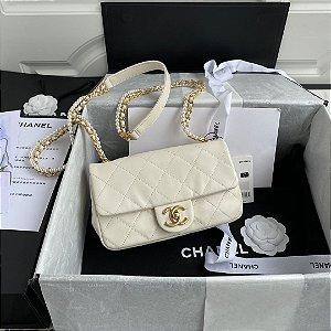 "Bolsa Chanel Single Flap ""White & Pearls"""
