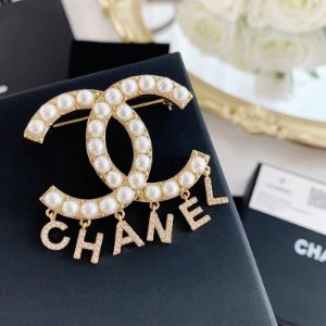 """Brinco Chanel Double C """"""""Pearl"""""""