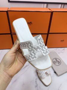 "Rasteirinha Hermès Holes ""All White"""