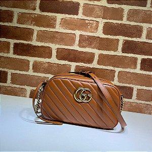 """Bolsa de Ombro Gucci GG Marmont Matelassé Chevron """"Brown"""""""