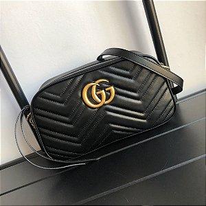 """Bolsa de Ombro Gucci GG Marmont Matelassé Chevron """"Black"""" (PRONTA ENTREGA)"""