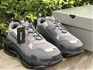 "Tênis Balenciaga Triple S Clear Sole Sneaker ""Dark Grey"""