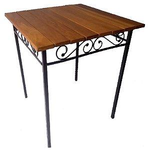 Mesa de ferro com madeira Ripada