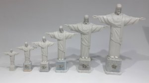 Cristo em resina