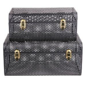 Conjunto de Maletas de metal preto com fechos dourados