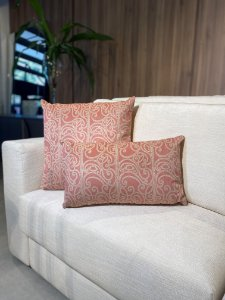 Almofada Decorativa Rosa com Branco